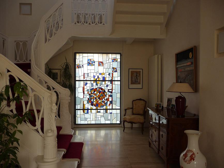 klassisches wohnhaus mit glaskunst von derix